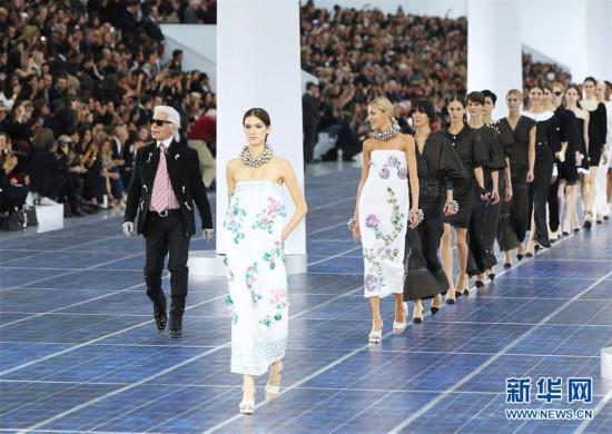 (国际)(1)全球知名时装设计师卡尔・拉格菲尔德逝世