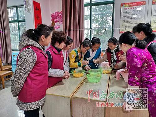 社�^�坌����情暖西藏班孩子