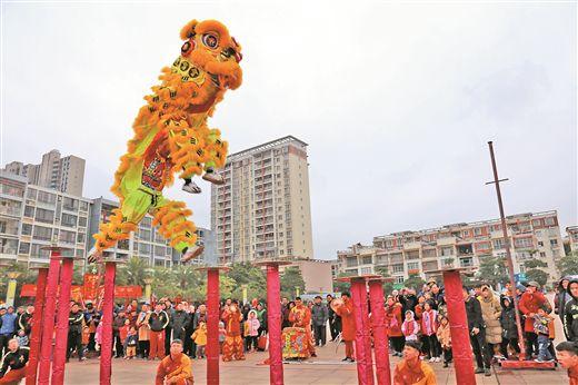 港南区举行迎新春醒狮展演活动