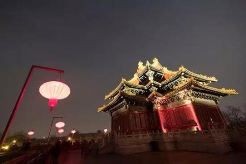 """探访故宫灯会第二日:游客大呼""""圆梦了"""""""