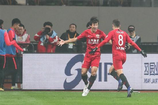 (体育)(4)足球――超级杯:上海上港夺冠