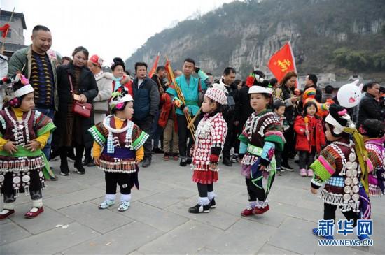 (文化)(3)贵州凯里:盛装起舞闹新春