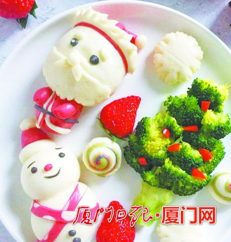 """厦门一市民用蔬菜水果作""""画""""萌趣早餐五彩斑斓"""