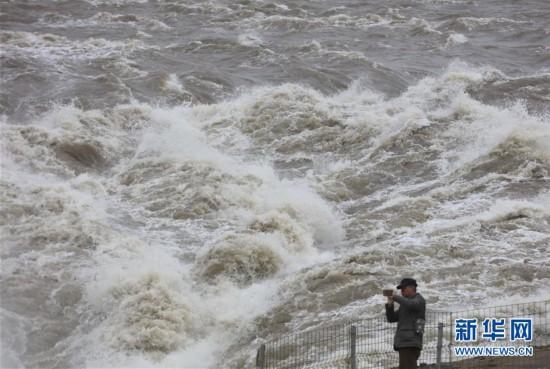 #(环境)(6)黄河壶口瀑布水量增大