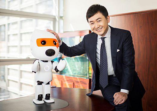 王小川委员:运用人工智能技术增加基层卫生服务供给