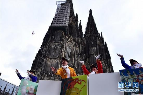 """(国际)(3)德国科隆狂欢节迎来""""玫瑰星期一""""大游行"""