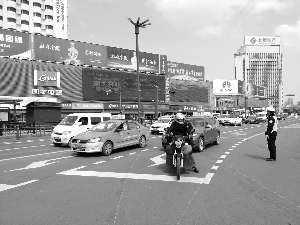 连云港43个路口设置200个左转弯待转区
