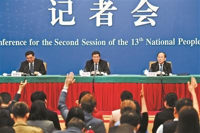 宁吉喆:去年消费增长对经济增长贡献达76.2%吴美廷
