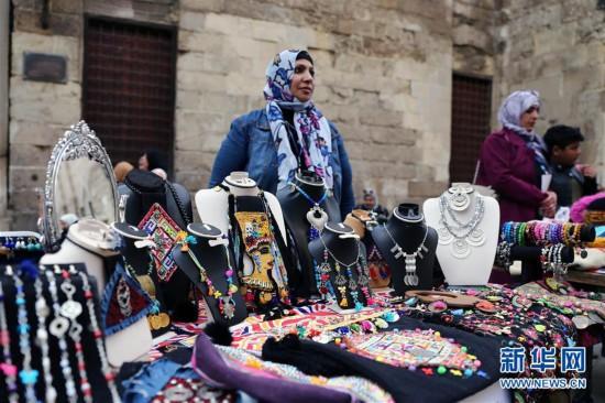 (国际)(1)埃及:妇女节手工艺品展