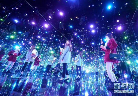 (XHDW)(1)上海举办日本艺术家草间弥生大展