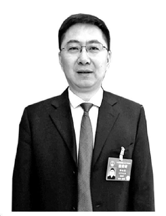 林永忠代表:合力规范中小学生使用手机
