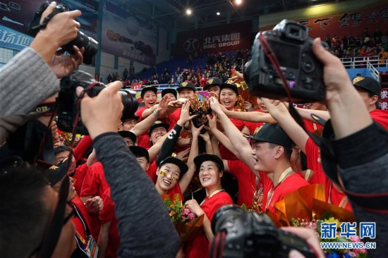 (体育)(9)排球――女排超级联赛:北京汽车夺冠