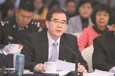 东莞市委书记梁维东:打造大湾区发展制造业中心