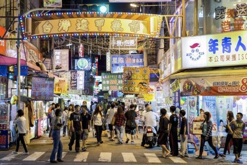 调查:台湾逢甲商圈人潮再降系11年来最低点