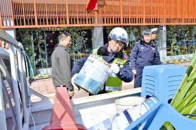 江苏靖江开始新一轮非法占用停车泊位专项整治