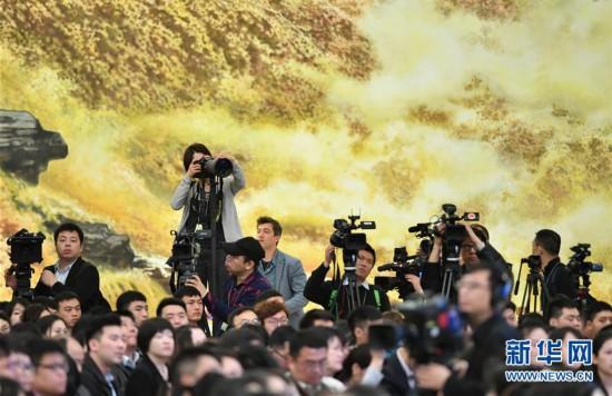 (两会・XHDW)(18)李克强总理会见中外记者