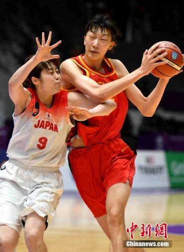 """中国""""女版周琦""""赴美逐梦她能否如愿登陆WNBA"""
