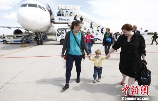 中国北疆对俄交流密切哈尔滨机场对俄客运量达2.5万人次