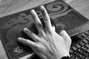 卖什么比较赚钱徐州18岁脑瘫小伙一根手指打字敲出7部小说