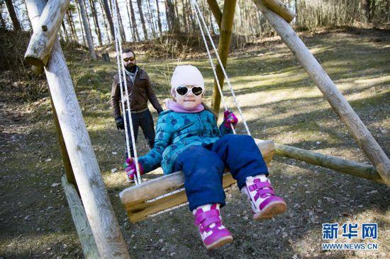 拉脱维亚里加举行活动庆祝春分