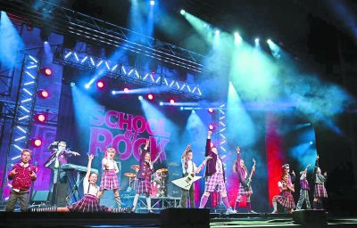 """音乐剧《摇滚学校》北京""""开学"""" 完全像在听摇滚音乐"""