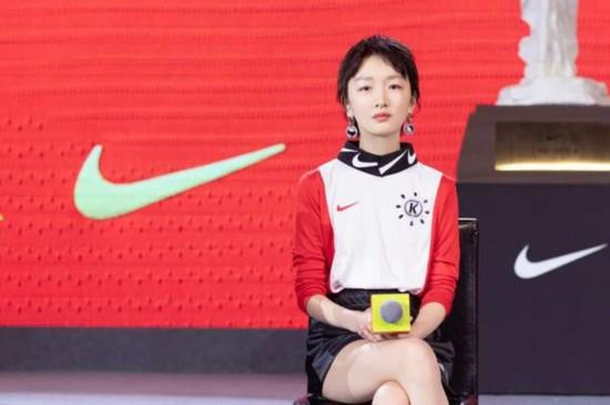 周冬雨助陣中國女足:為夢想堅持下去就是成功