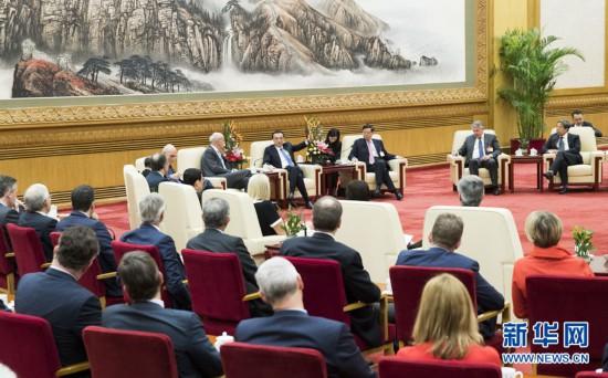 政治论坛|李克强会见出席中国发展高层论坛2019年年会的境外代表并座谈