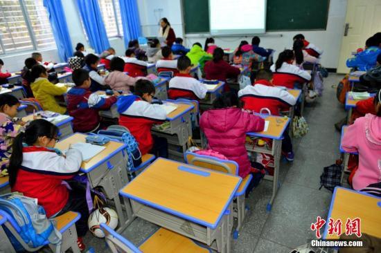 教育部:大校大班问题仍存在 部分地方变相办重点