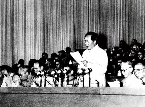 习近平:关于坚持和发展中国特色社会主义的几个问题