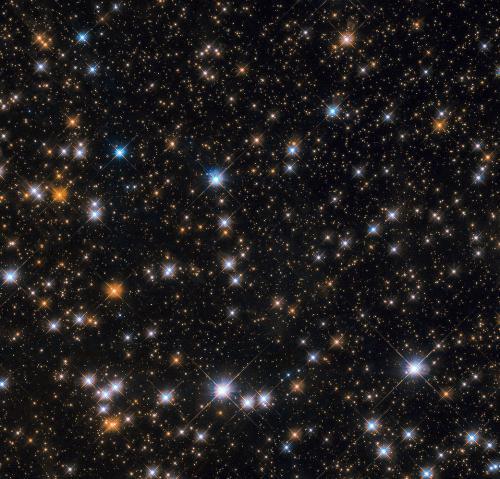 哈勃望远镜拍摄m11星团:星罗棋布 光芒熠熠(图)图片