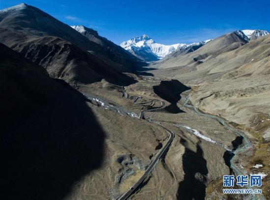 (西藏民主改革60周年)(10)路见西藏