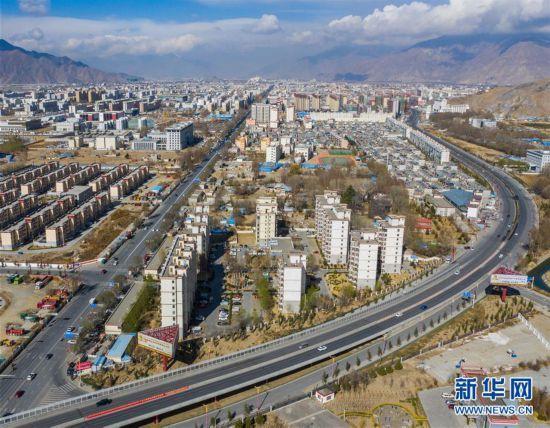 (西藏民主改革60周年)(8)路见西藏