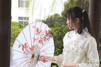 """扬州汉服美女三月三过""""上巳节"""" 弘扬古典文化"""