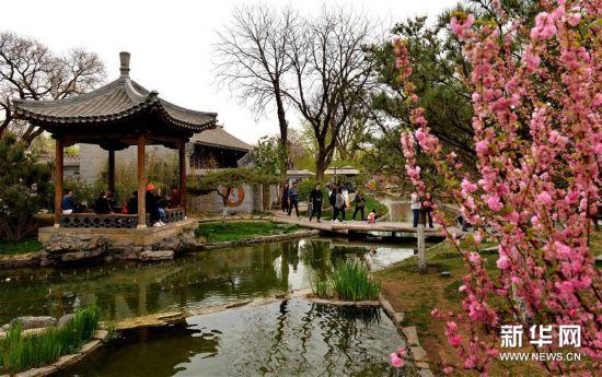 (社会)(3)北京:前门东区展新颜