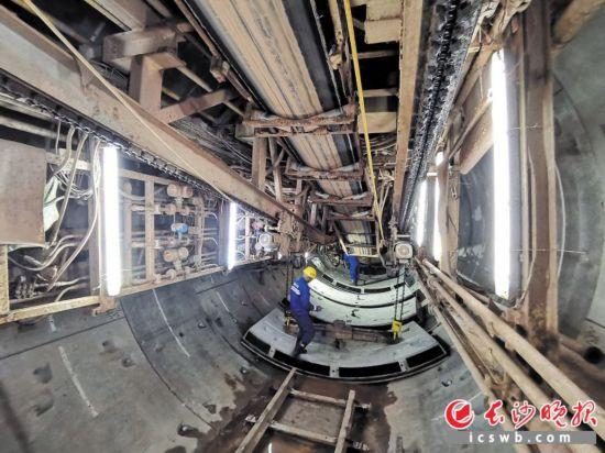 長沙地鐵3號線湘星區間雙線盾構隧道施工現場。長沙晚報通訊員 蔣煉 攝