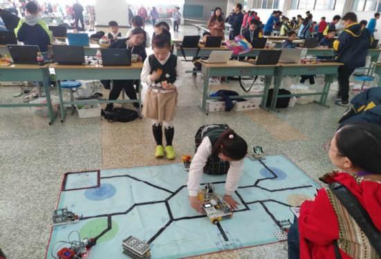 徐州青少年机器人竞赛举行 87名选手获一等奖