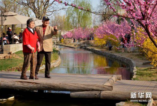 (社会)(2)北京:前门东区展新颜