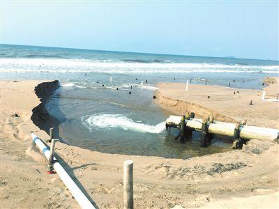 三亚崖州区3家养殖场取排水管昨日被依法拆除