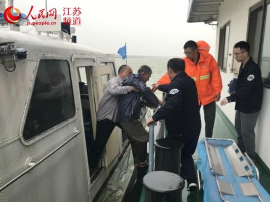 船员风中受伤 海事提醒恶劣天气注意停泊固缆