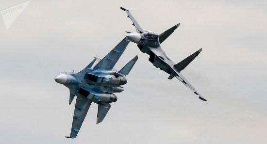 假想克里米亚遭敌轰炸俄军出动大批战机演练