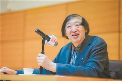 77岁冯骥才重返文坛 一天当做两天用