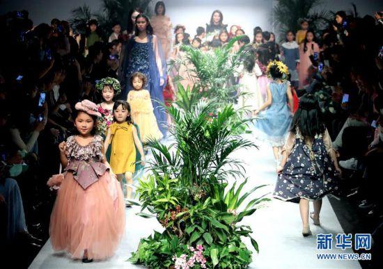 (文化)(3)上海:春天里的童装秀