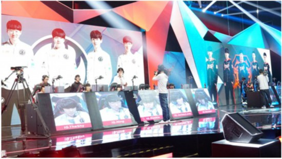 Wang Sicong appeared in the LGD League Competition Hall to supervise IG against TOP