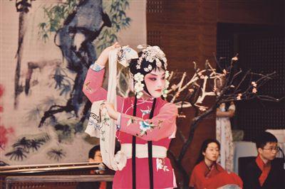 传统文化进校本课程 南京初中生演绎最美昆剧