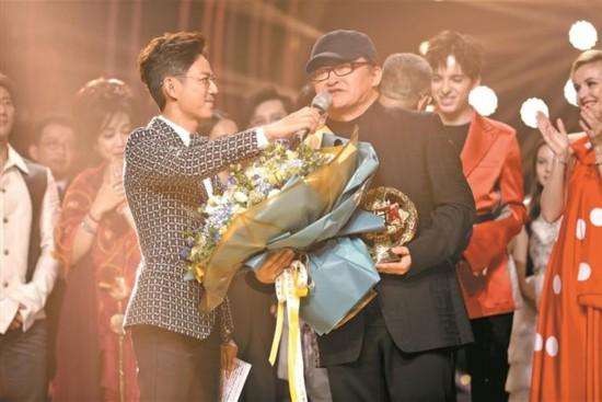 吴青峰:《歌颂者》记录《歌手》奇幻之旅