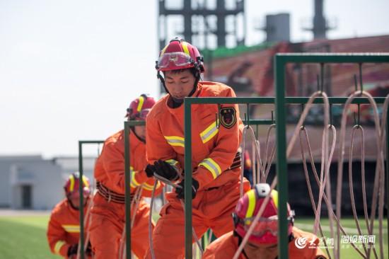 消防队员如何火场搜救?这7项演