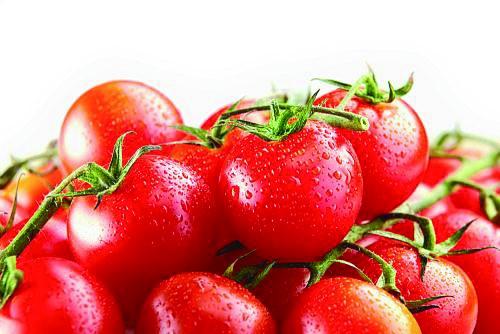 熟西红柿有助于降低患者高胆固醇和高血压