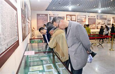 江苏靖江举办纪念渡江战役胜利70周年收藏展