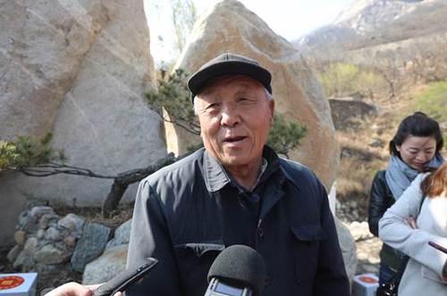 泰山老挑山工陈广武讲述当年的挑山故事