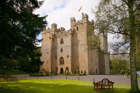 兰利城堡(Langley Castle)是英格兰东北部的年度最佳酒店。